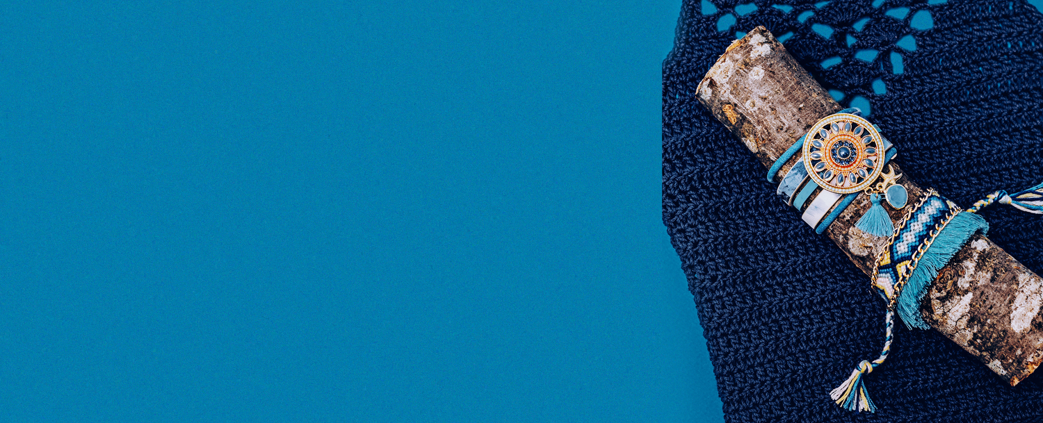 """<h1 style=""""margin-top:45px""""> <span style=""""font-size:45px; color:#fff; line-height:47px;"""">Rediscover the Magic of Macramé! For October 2017</span></h1>"""