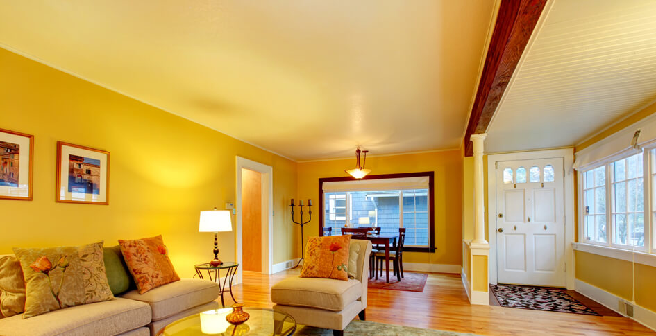Decorating with sunny yellow paint colors hgtv for for 10x12 living room design