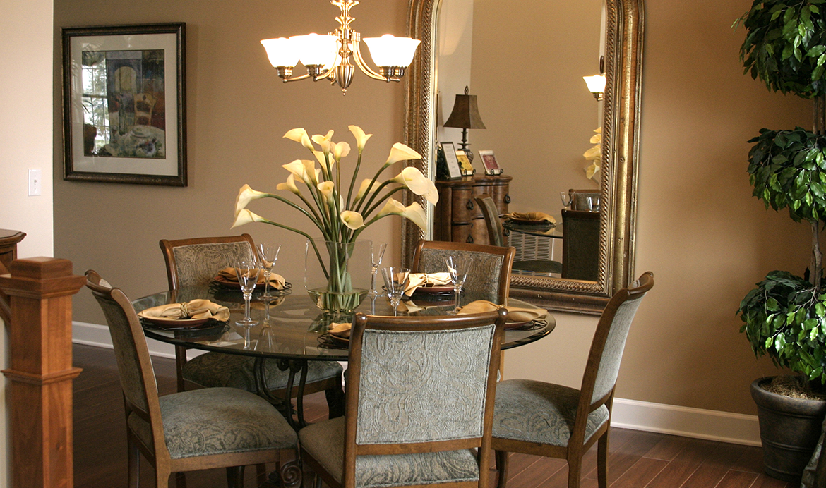 15 dining room decorating ideas berger blog for Dining room mirror ideas